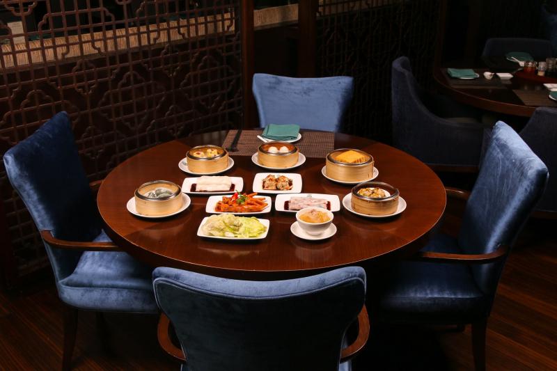 Món ăn đa dạng, hấp dẫn, giá hợp lý.
