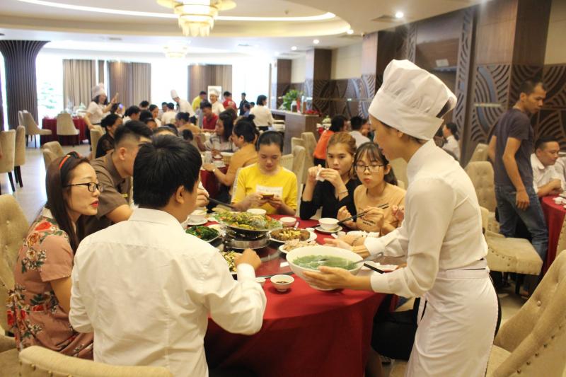 Nhà hàng trong khách sạn Mường Thanh