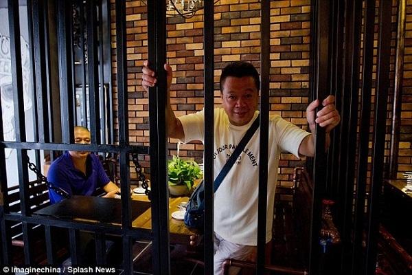 Nhà hàng trong tù