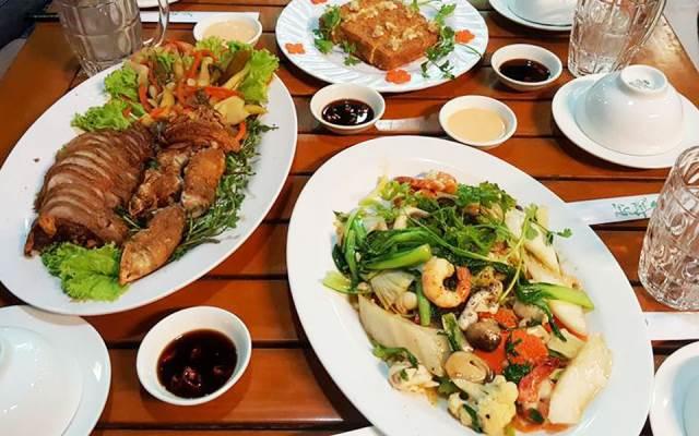 Nhà hàng Tùng Tùng
