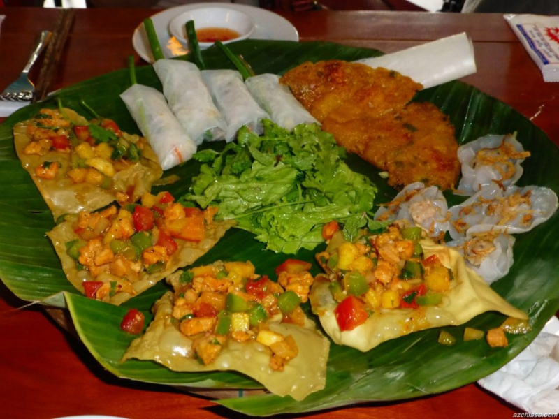 Nhà hàng Vạn Lộc - số 27, đường Trần Phú, TP. Hội An