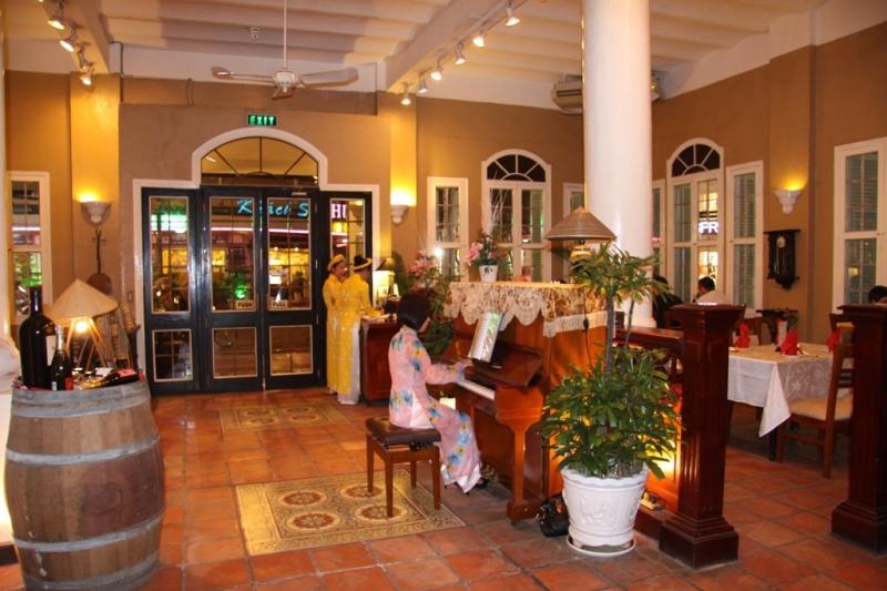 Nhà hàng Việt Nam House