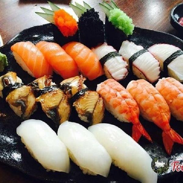 Sushi ở nhà hành Võ Sĩ Đạo