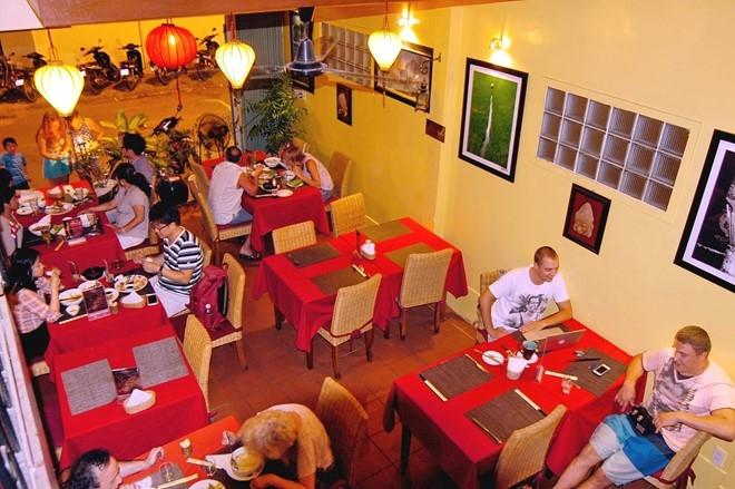 Nhà hàng Yen's Restaurant là nhà hàng chuyên phục vụ các món ăn Việt Nam