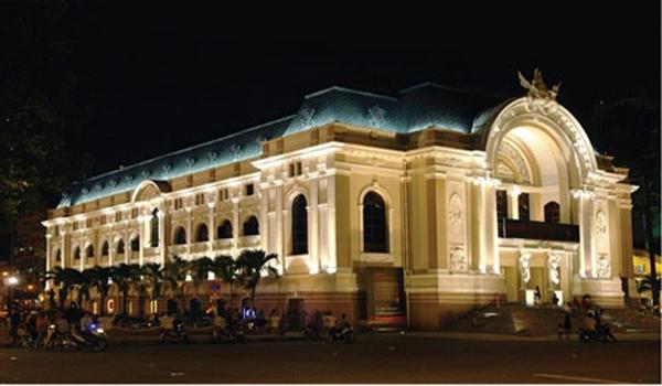 Nhà hát về đêm