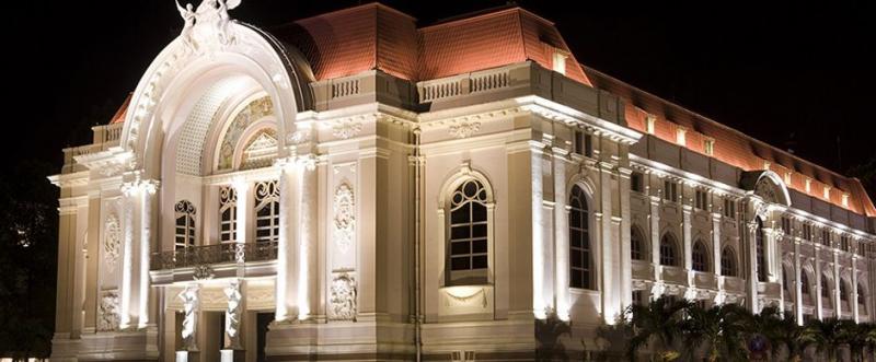Kiến trúc cổ kính của nhà hát thành phố Hồ Chí Minh