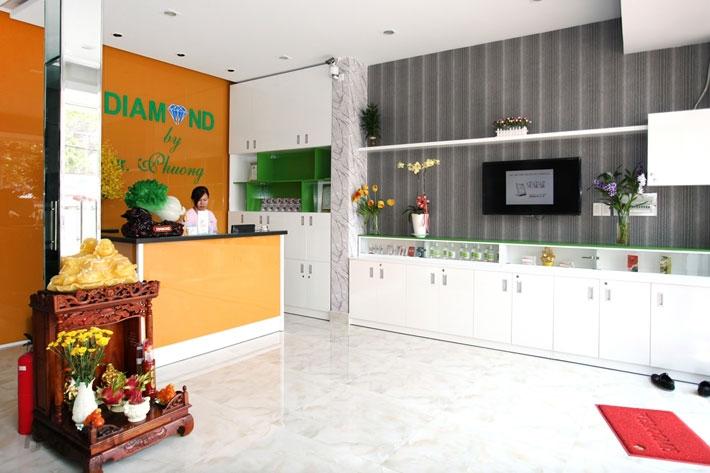 Nha khoa Diamond được thành lập năm 2004, với mục tiêu đem đến cho khách hàng nụ cười tỏa sáng rạng rỡ
