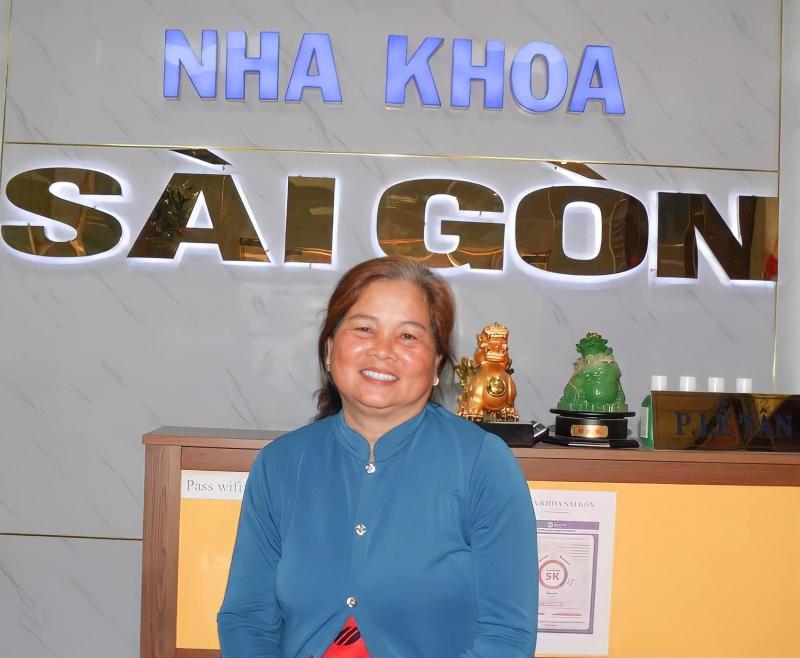 Khách hàng tại Nha khoa Sài Gòn Bến Lức