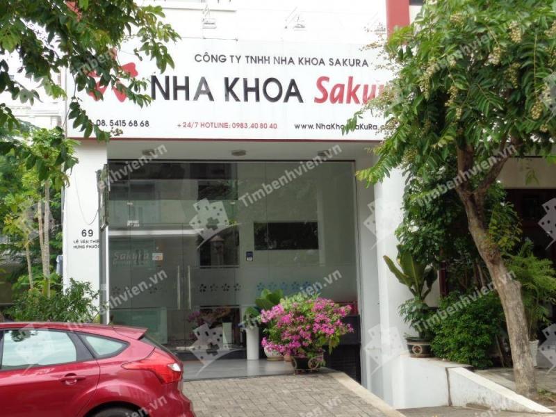 Nha khoa Sakura được thành lập bởi một nha sỹ kiêm giảng viên nhiều năm kinh nghiệm của Đại Học Y Dược vào năm 1990