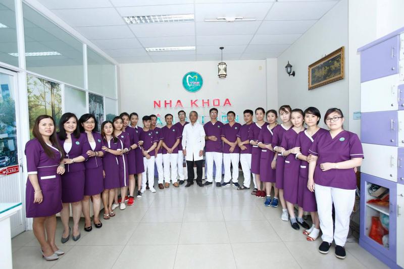 Đội ngũ bác sỹ, kỹ thuật viên của Nha khoa Tâm Sài Gòn