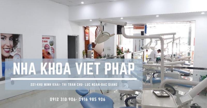 Nha khoa Việt Pháp.
