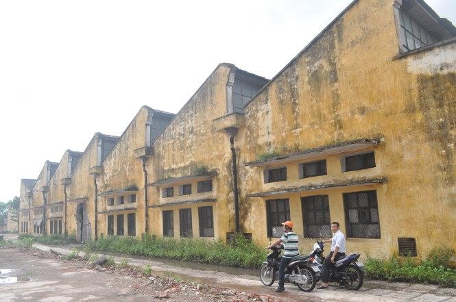 Nhà máy dệt Nam Định (tờ 2.000 đồng)