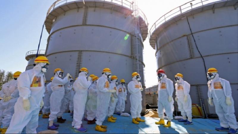 Các nhân viên nhà máy trong sự cố tại lò phản ứng hạt nhân