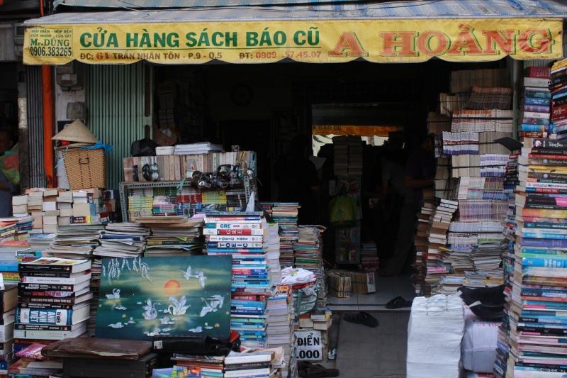 Một hiệu sách cũ trên đường Trần Nhân Tôn