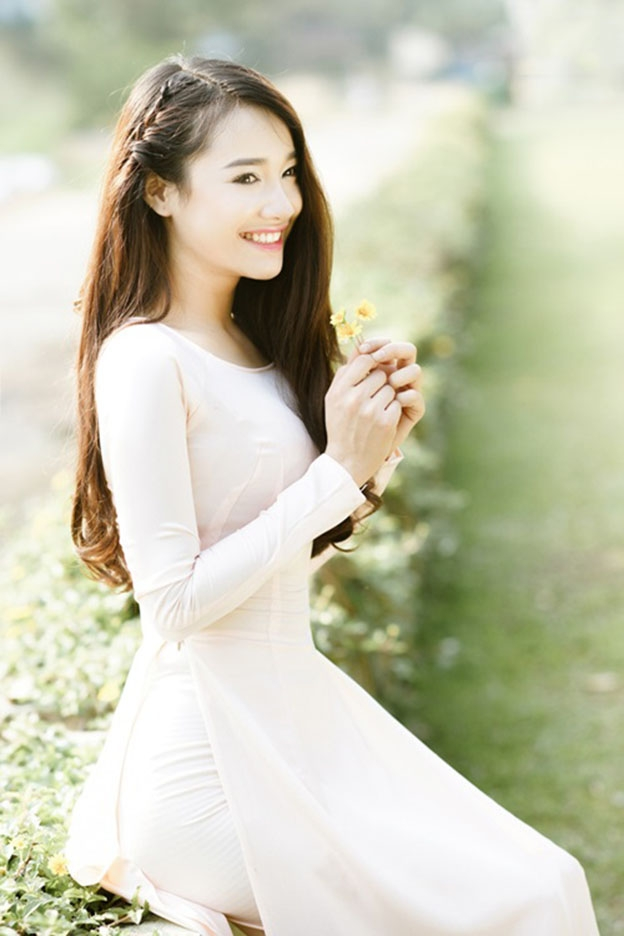 Beautiful actress Nha Phuong