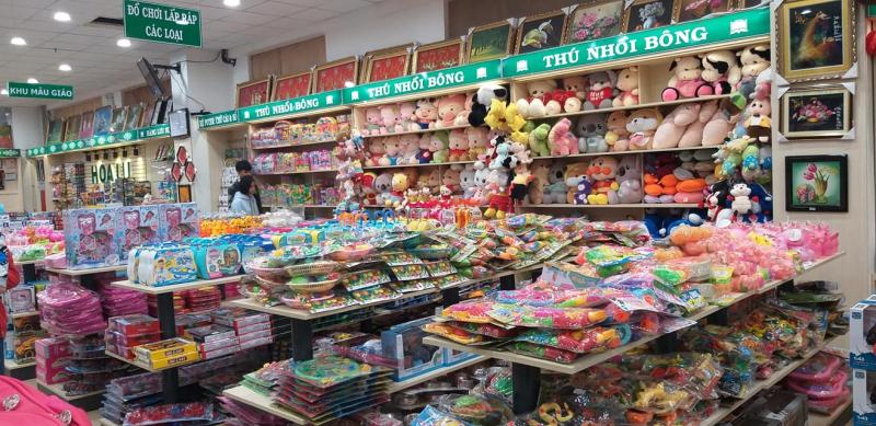 Nhà Sách Hoa Lư còn có có sản phẩm đồ chơi