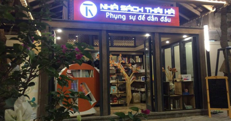 Nhà sách Thái Hà.