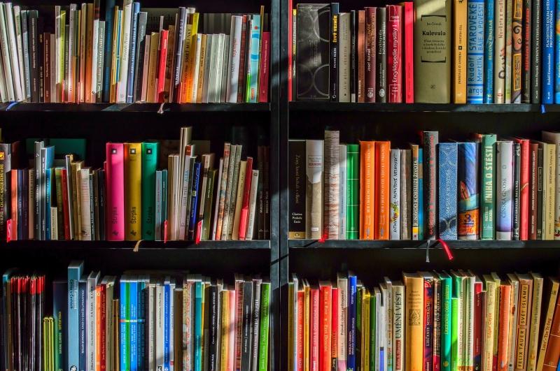 Cách bố trí sách tại nhà sách Trí Việt