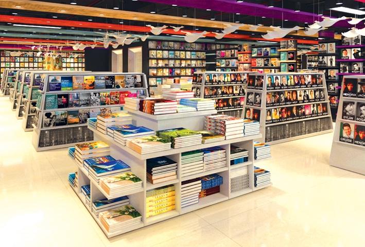 Nhà sách Văn Hóa Vinh đa dạng với nhiều thể loại sách khác nhau