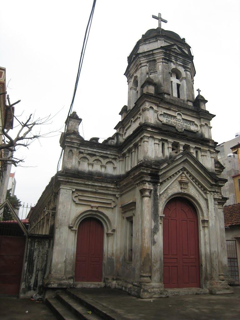Nhà thờ nổi bật với lối kiến trúc Phục Hưng, tinh tế trong từng họa tiết trang trí