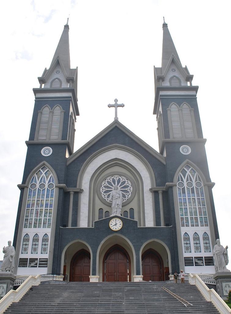 Hình ảnh nhà thờ được đổi mới vô cùng sang trọng
