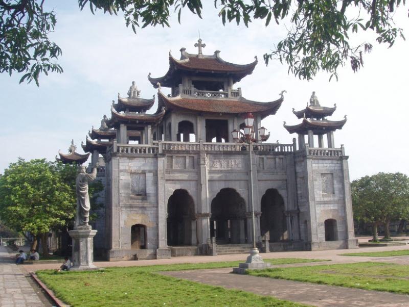 Nhà thờ Đá Phát Diệm - nhà thờ cổ Ninh Bình
