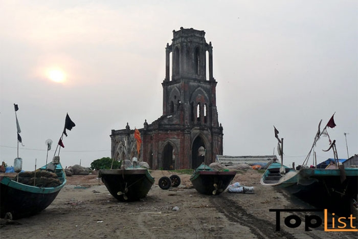 Nhà thờ đổ