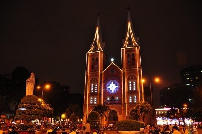 10 địa điểm chơi Noel 2016 thú vị nhất tại Sài Gòn