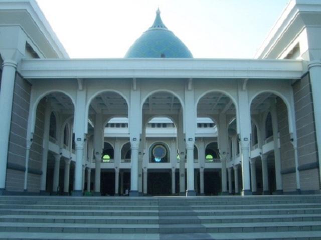 Nhà thờ Hồi giáo Al-Akbar