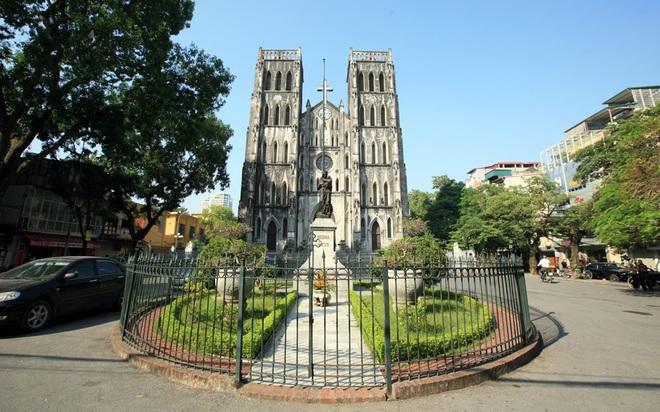 Nhà thờ Lớn Hà Nội cũng mang đậm lối kiến trúc Gothic châu Âu thời Trung Cổ