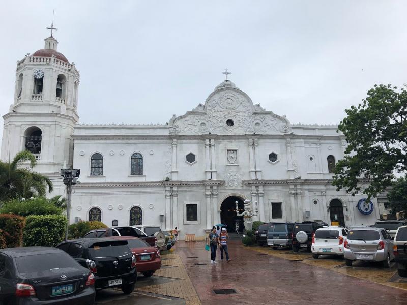Nhà thờ Metropolitan Cebu là công trình tôn giáo bề thế mang phong cách thiết kế thuộc địa Tây Ban Nha.