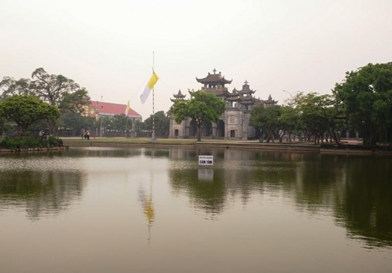 Quần thể nhà thờ Phát Diệm