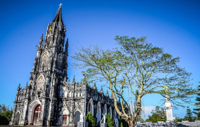 Nhà thờ Trà Cổ mang đậm phong cách Châu Âu