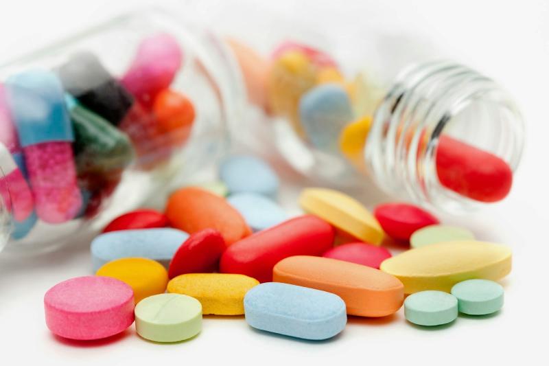 Nhà thuốc Võ Thị Nhị Hà với các sản phẩm thuốc đa dạng, bao gồm các loại thuốc tân dược, thuốc có nguồn gốc từ dược liệu, thực phẩm chức năng, thực phẩm bổ sung và mỹ phẩm.