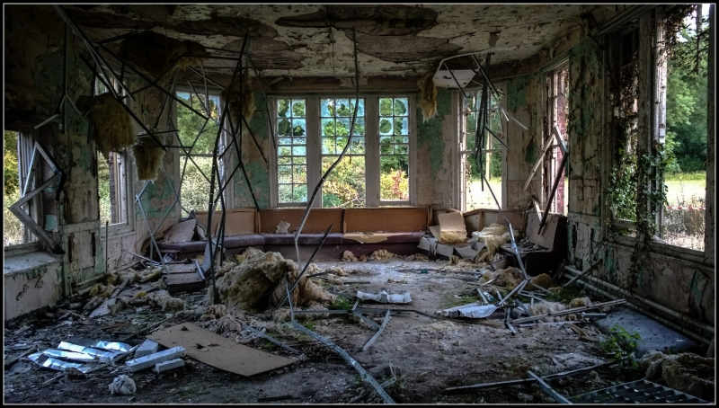 Nhà thương điên bị bỏ hoang ở Anh