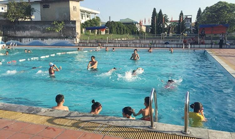 Bể bơi tại nhà văn hóa