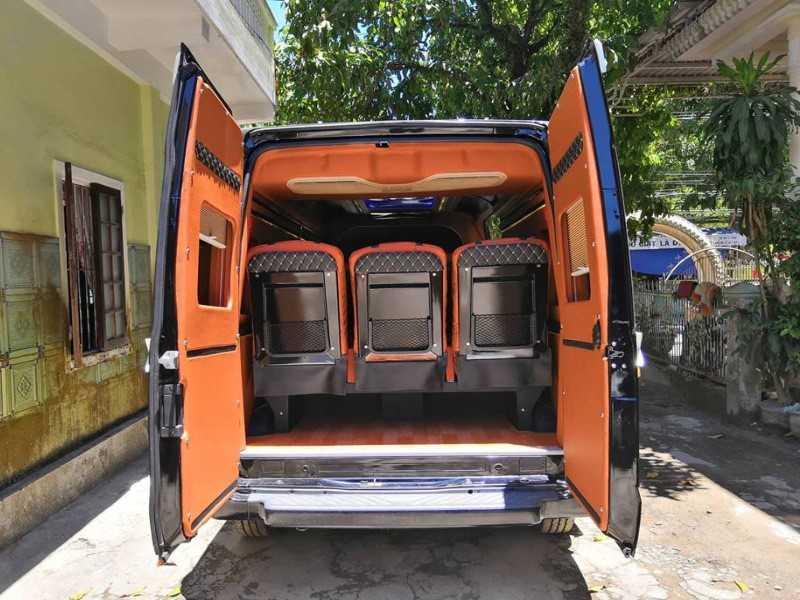 Nhà xe Hương Giang