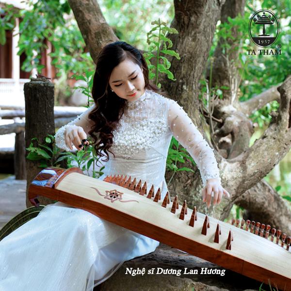Nhạc cụ truyền thống Tạ Thâm