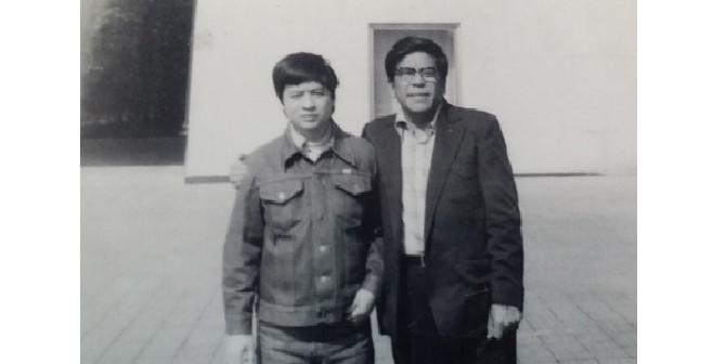 Nhạc sĩ Đỗ Nhuận (bên phải)