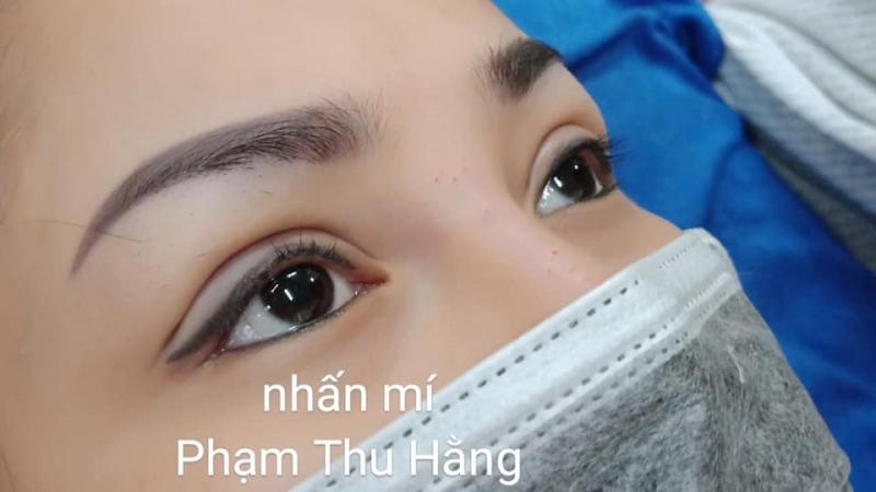 Nhấn mí Phạm Thu Hằng