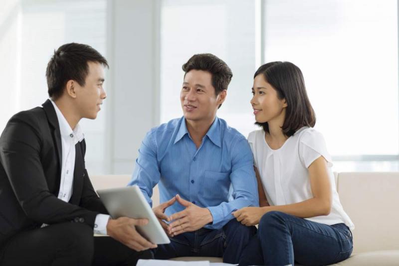 Công việc nhân viên bán hàng  này đòi hỏi về khả năng giao tiếp của bạn.