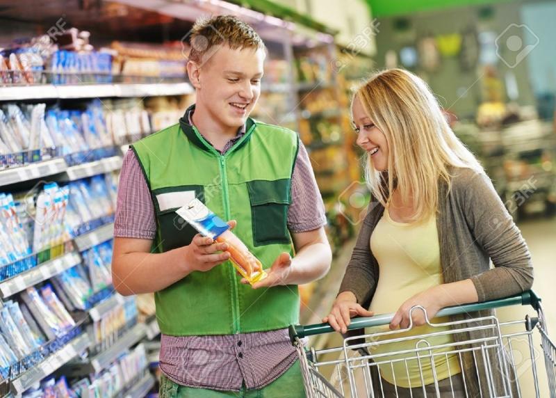 Nhân viên siêu thị