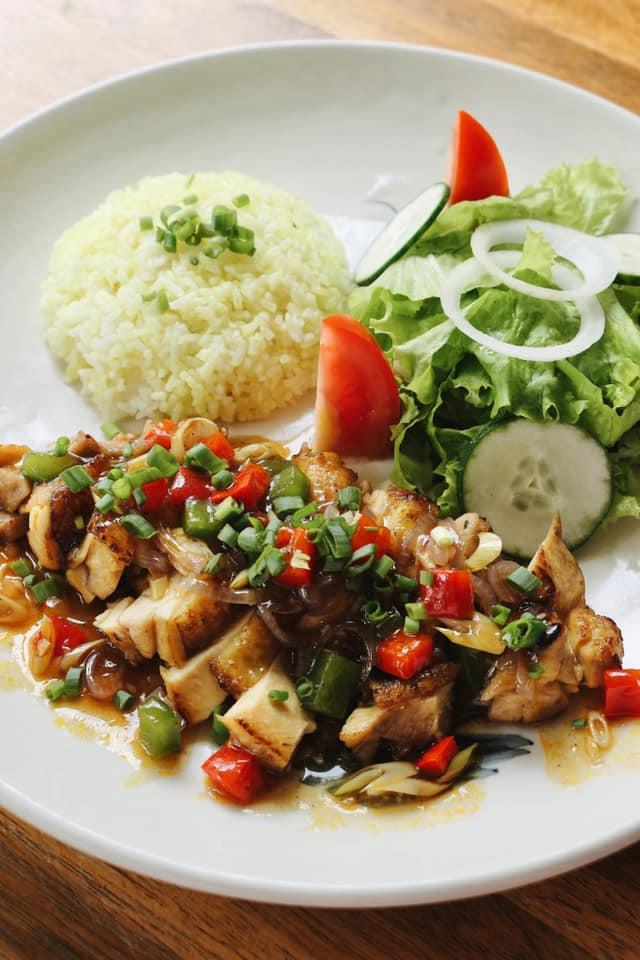 Nhà hàng với những món ăn cực kỳ chất lượng nhưng lại có giá khá bình dân, luôn tạo sự hài lòng cho thực khách ghé tới đây