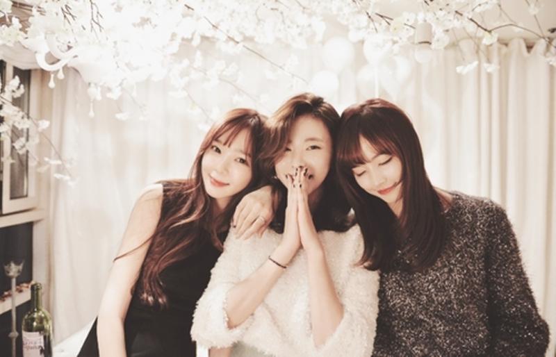 Người Nhật kiêng kỵ việc chụp chung 3 người vào cùng một bức ảnh.