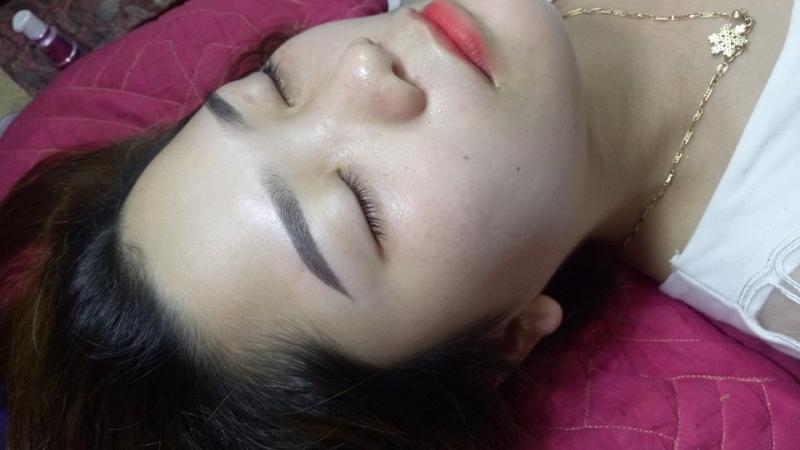 Nhat Linh Phun Xam