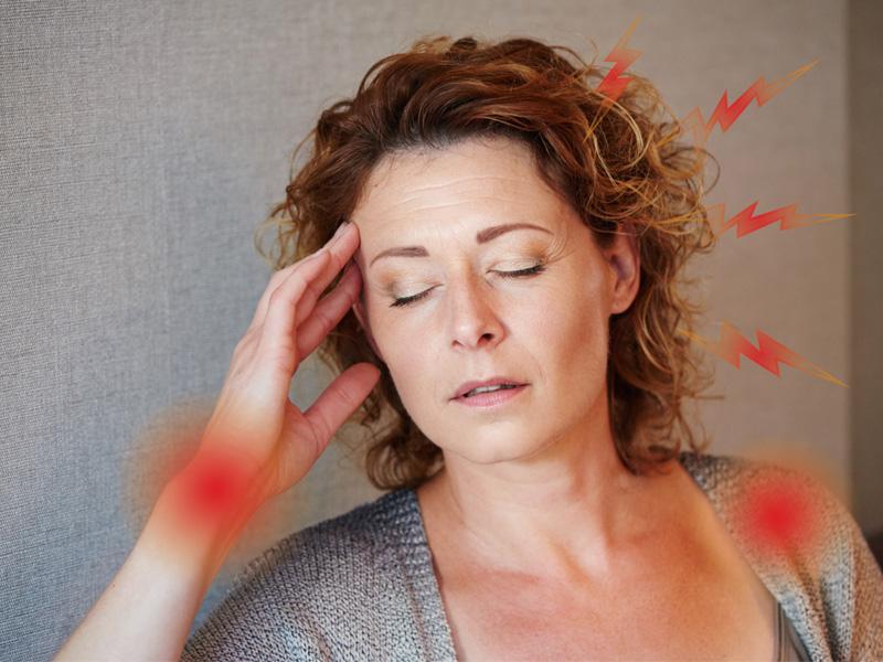 Sự gia tăng nhiệt độ đột ngột là một trong những triệu chứng phổ biến nhất của thời kỳ mãn kinh.