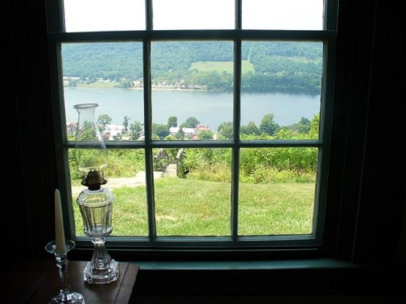 Hãy nhìn ra cửa sổ mỗi khi cảm thấy căng thẳng