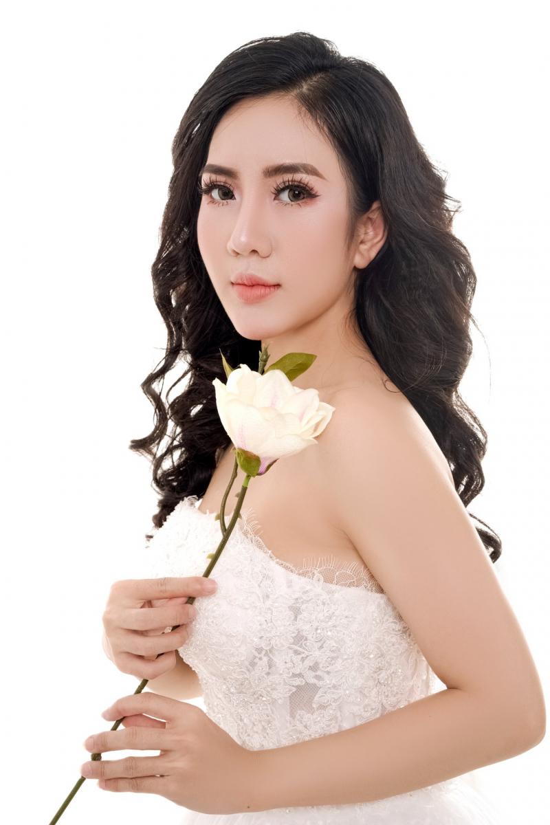 Nhỏ Kaly MakeUp Artist - Academy là một trong trong số những Studio ở Đà Nẵng chuyên nghiệp và uy tín