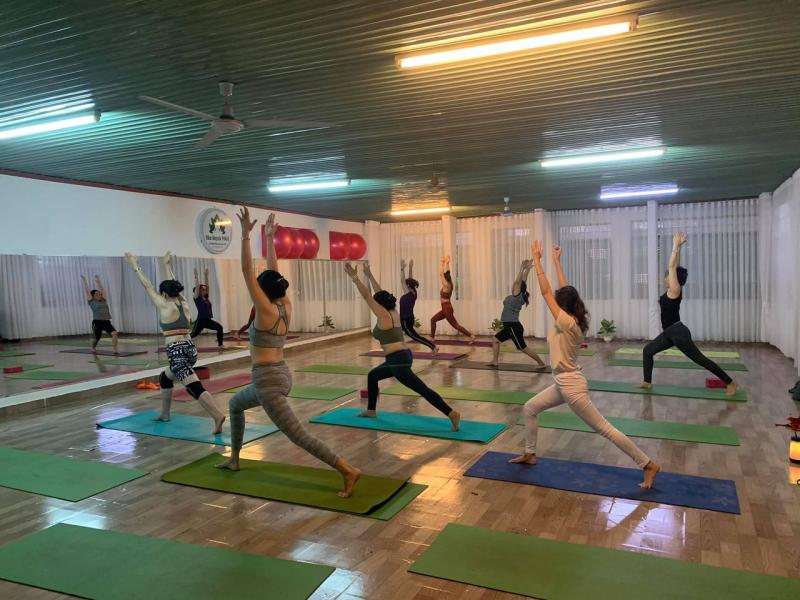 NHƯ QUỲNH Yoga