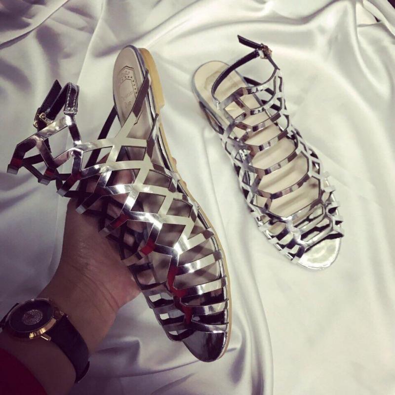 Đôi sandal thời thượng